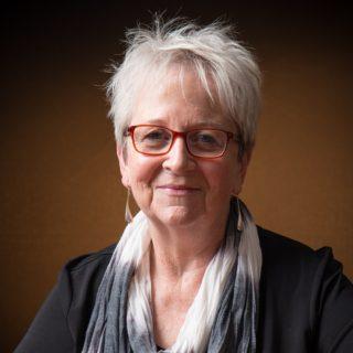 Dr Liz Byrski